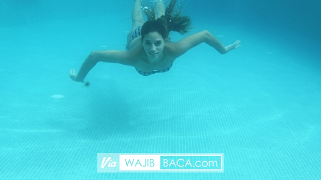 Memang Tak Berceceran, Namun Perhatikan Hal Ini Sebelum Berenang untuk Kamu yang Haid!