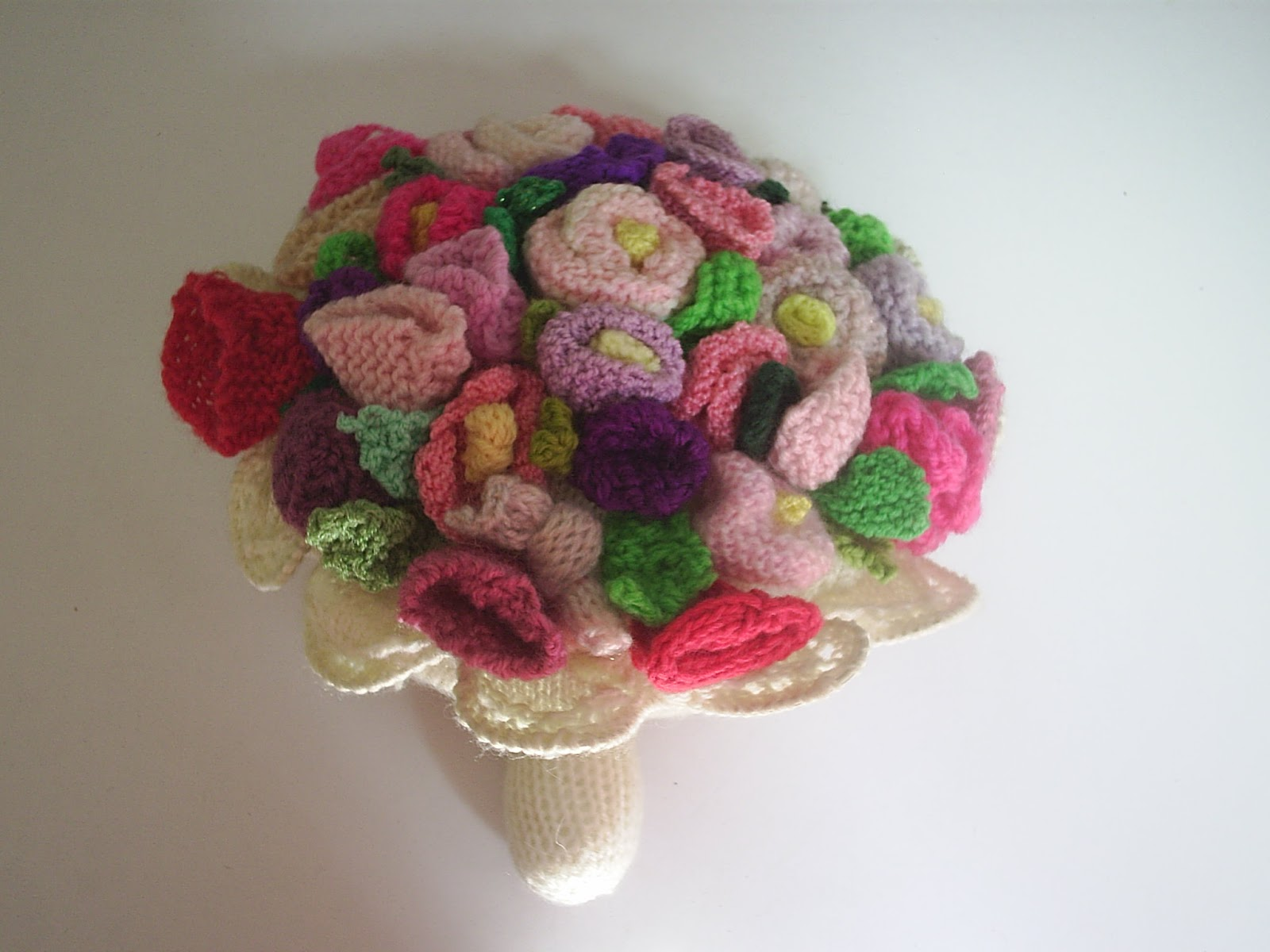 Paulineknit ~ A life of hand knitting : Knitted Bouquet