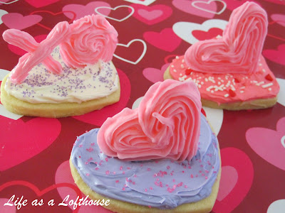 3D Valentine Sugar Cookies are soft and sweet frosted sugar cookies with 3D piped decorations on top. Life-in-the-Lofthouse.com