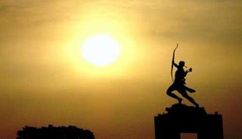 PANAHAN awalnya adalah alat berburu dan mempertahankan hidup Sejarah Awal berdiri Olahraga Panahan
