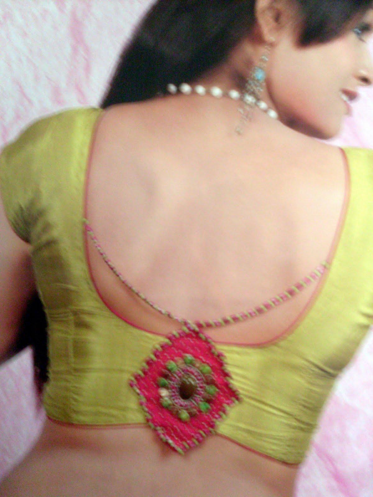 blouse ke gale ka design back