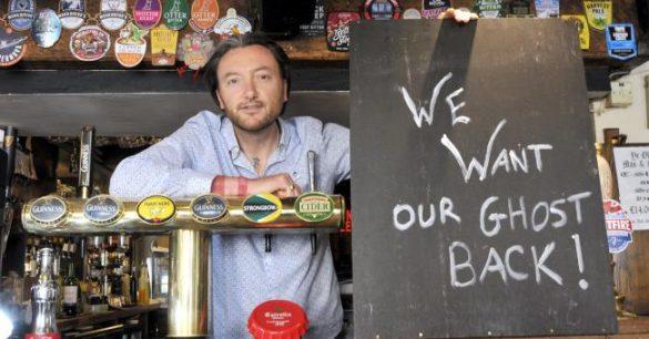 Pemilik Pub Ini Ingin Hantunya Yang Dicuri Dikembalikan