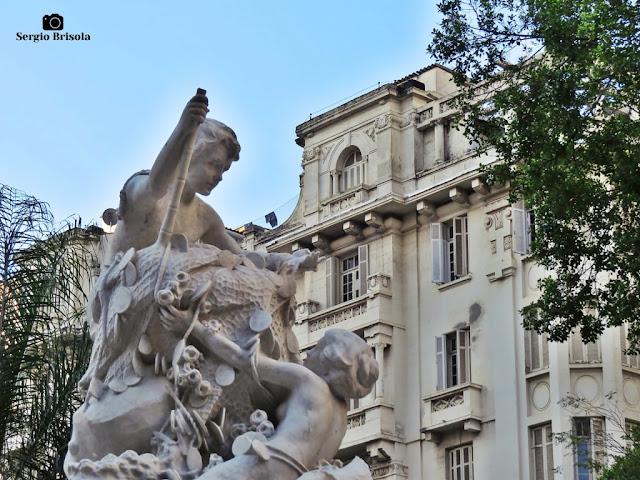 Foto composição com destaque para o topo da Fonte Monumental - Praça Julio de Mesquita - São Paulo