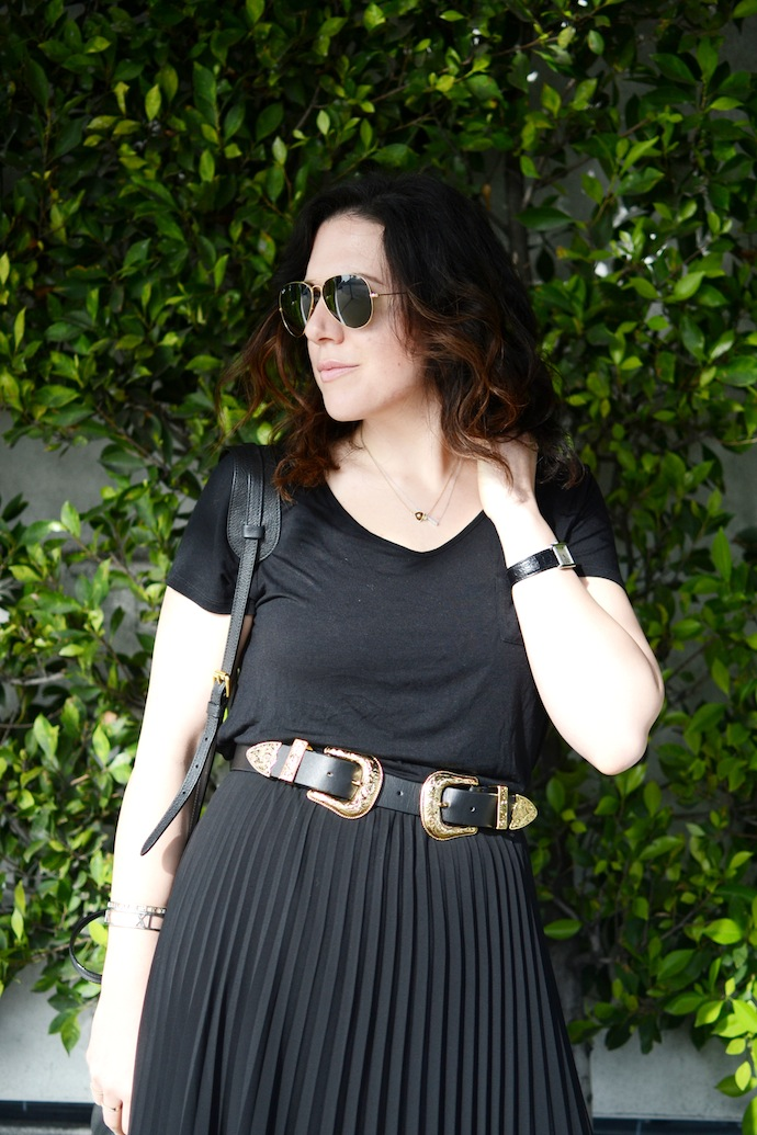 Aritzia Jude skirt, B Low the Belt outfit fashion blogger Joe Fresh tee shirt