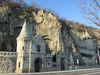 DIY costura: El gorro y la bufanda que me abrigaron en Budapest-Iglesia Rupestre 2