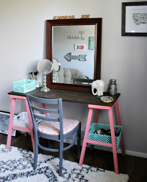 reclaimed wood, vanity, desk, stool mirror, spray paint, DIY, chair makeover, http://bec4-beyondthepicketfence.blogspot.com/2015/10/teen-attic-bedroom-easy-vanity.html