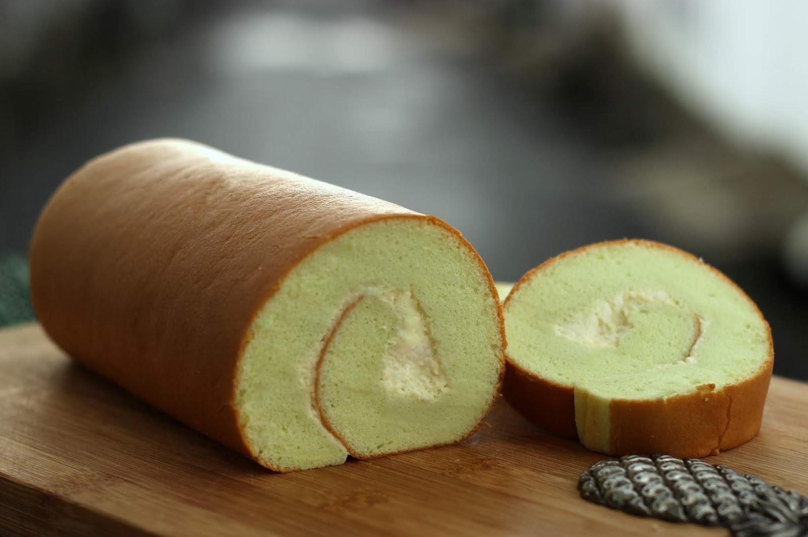 The Informal Chef Pandan Swiss Roll Cooked Dough Method 班兰瑞士卷