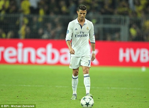 It's No Happy News As Cristiano Ronaldo N6bn Private Jet Crashes in Barcelona… See! Crash Site Photos