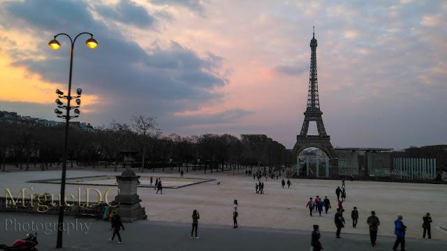 Plaza en la Torre Eiffel