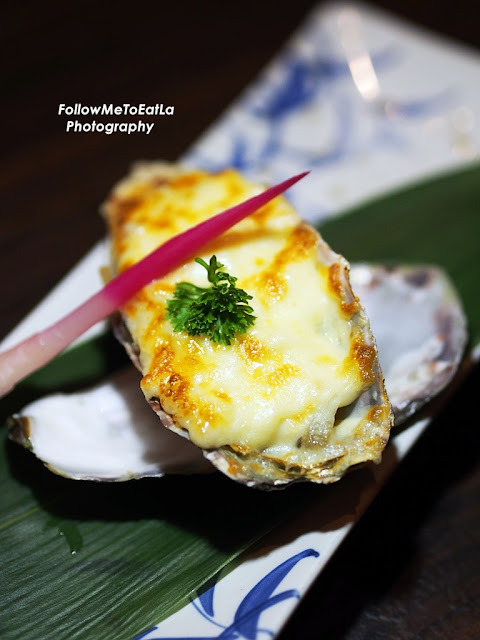 Giant Oyster Cheese Yaki RM 28