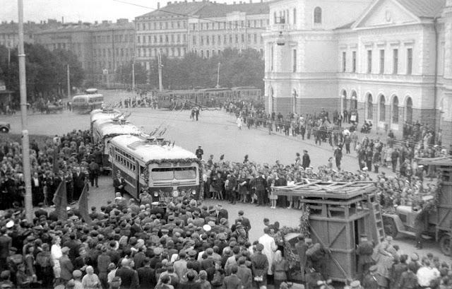 """1949 год. Торжественное открытие нового маршрута """"Stacija laukums - Lauvas iela"""""""