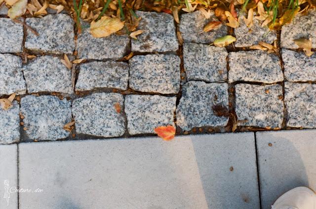 listek, jesień, chodnik