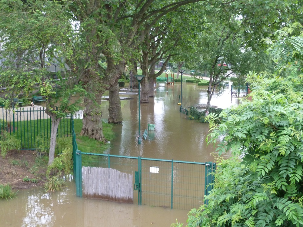 Paris au rythme des saisons for Jardin tino rossi