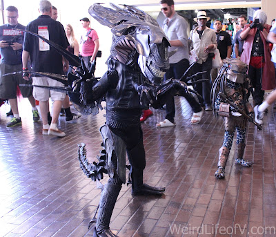 This little girl's Xenomorph cosplay is on point at LBCC 2016