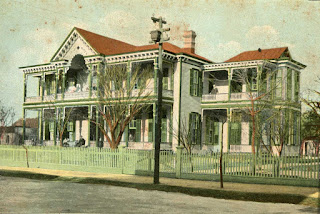 Kerrville's St Charles hotel, around 1907