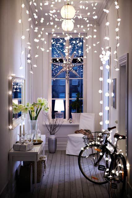 Guirnalda de luces en el recibidor