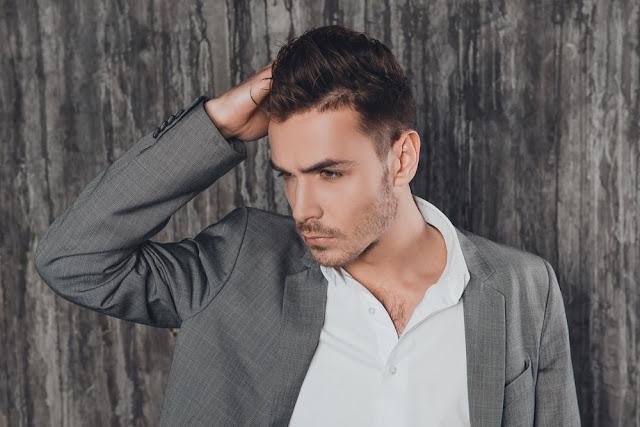 6 Cara Mengatasi Rambut Rontok Pada Pria