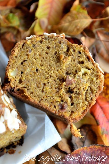 Cake au potimarron, raisins et amandes