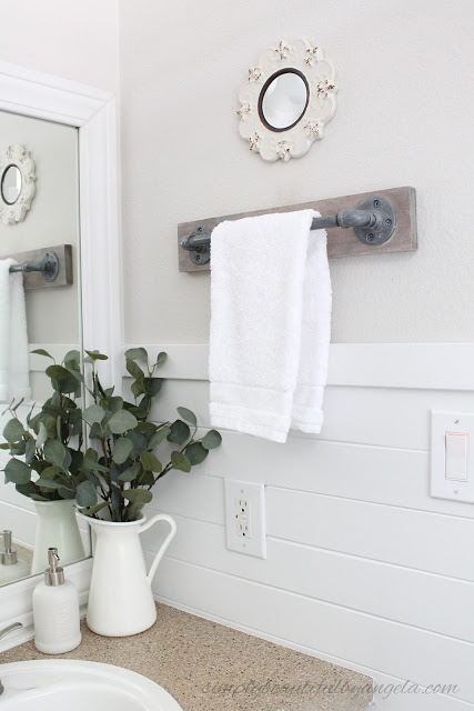 diy-industrial-pipe-towel-bar