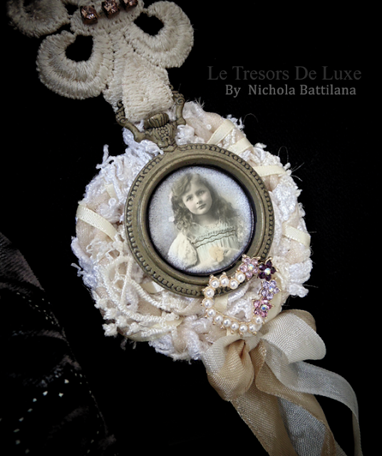Shabby Statement Brooch (or an award for clean counters) for #tresorsdeluxe - Nichola Battilana