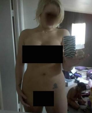no shirt no bra selfies