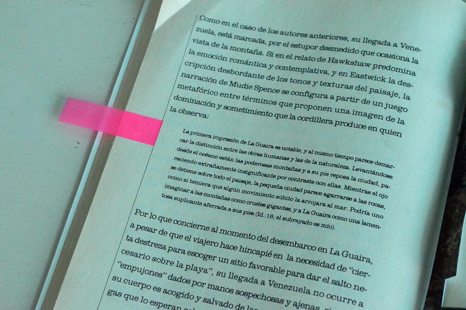 imagen de libro con texto de viajero sobre la guaira y sus montañas