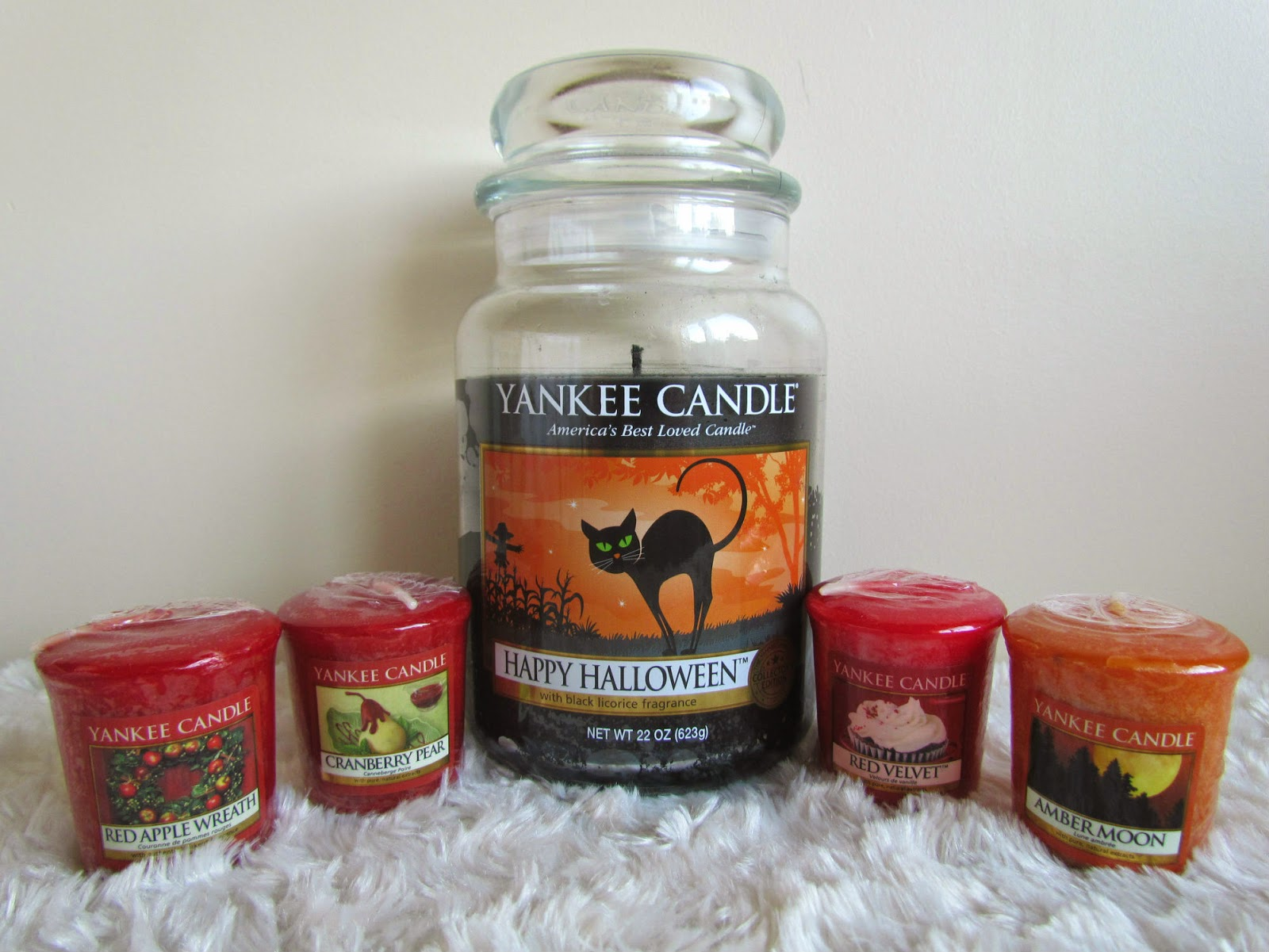 Week My Lovely Fiance Surprised Me With Five New Yankee Candles To Add Collection One Large Jar Candle And Four Votive Ones