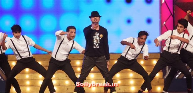 Yo Yo Honey Singh, Bollywood Celebs at Umang Police Show 2014