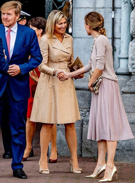 Queen Maxima wore Natan coat, Queen Maxima wore Salvatore Ferragamo flower heel pumps, LK Bennett clutch
