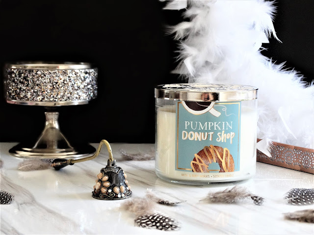 avis Pumpkin Donut Shop Bath & Body Works, pumpkin donut shop candle, bougie pumpkin donut shop, pumpkin donut shop review, pumpkin donut shop bath and body works, avis bath and body works, bath and body works review, blog bougie, candle review