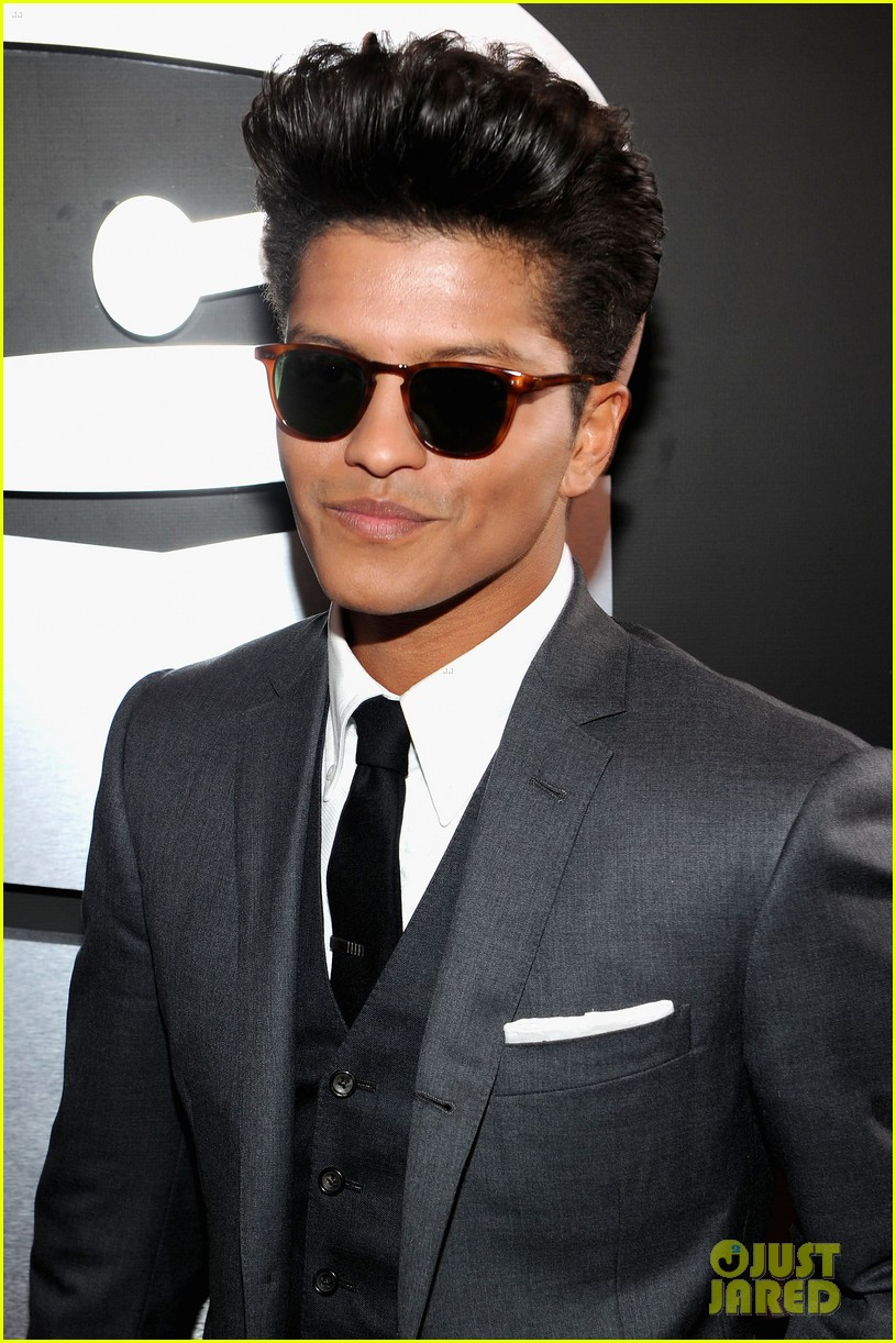 bruno mars hairstyle (men hairstyles) - men hair styles collection
