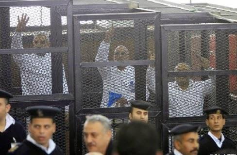 """ومازال الحكم في قضية """"محمد بديع"""" غير محدد"""