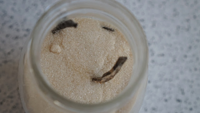 vanilla sugar, diy lip scrub, lip scrub, sugar lip scrub