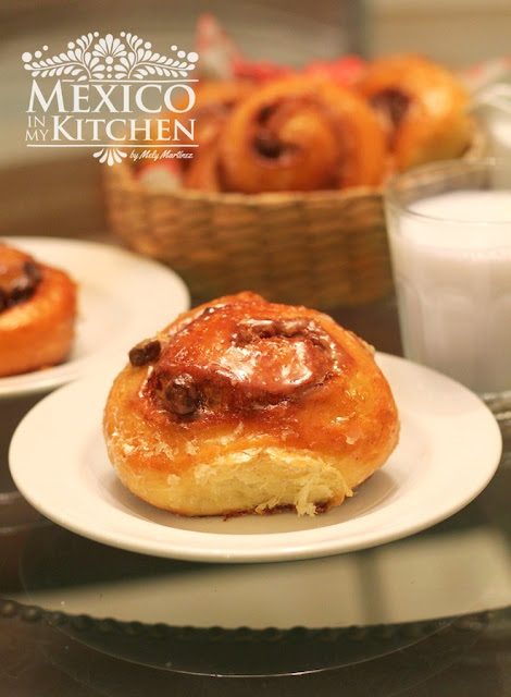 Cinnamon Rolls Mexican Sweet Bread Recipe (Rolles de Canela)