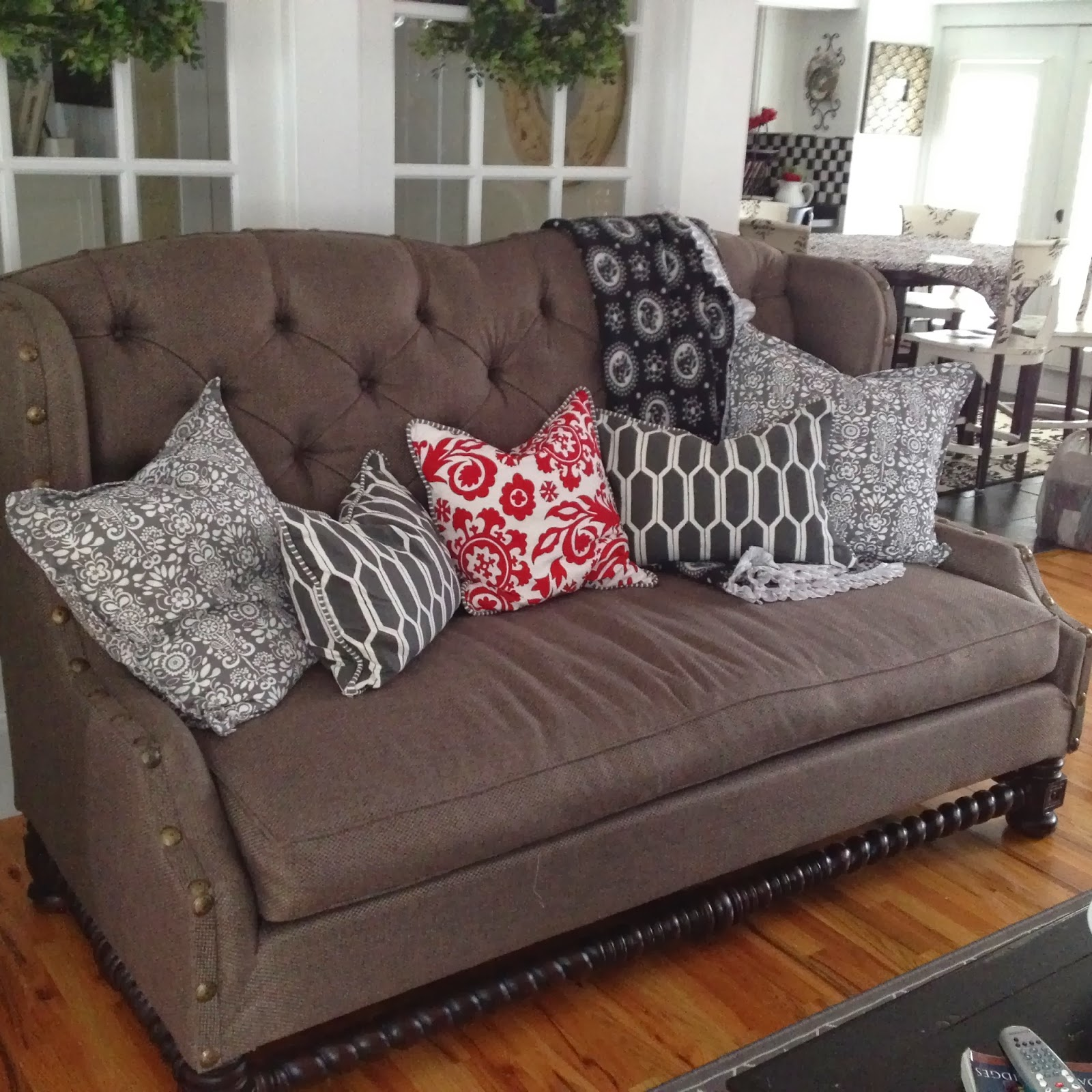 Nerd Couch Covers: The Sewing Nerd Slipcovers: Happy New Year