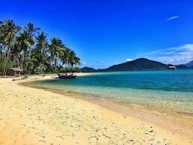 Jelajah Nusantara : Pantai Mahitam Rekomendasi untuk Liburan Keluarga