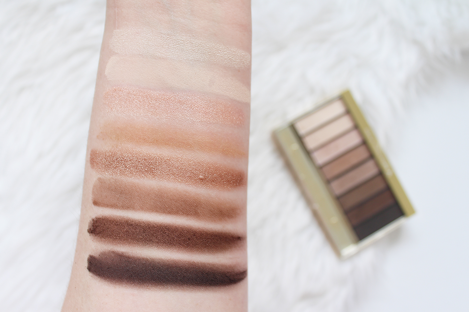 MAX FACTOR | Masterpiece Nudes Contouring Eyeshadow Palette in Cappuccino Nudes + Voluptuous Mascara - Review + Swatches - CassandraMyee