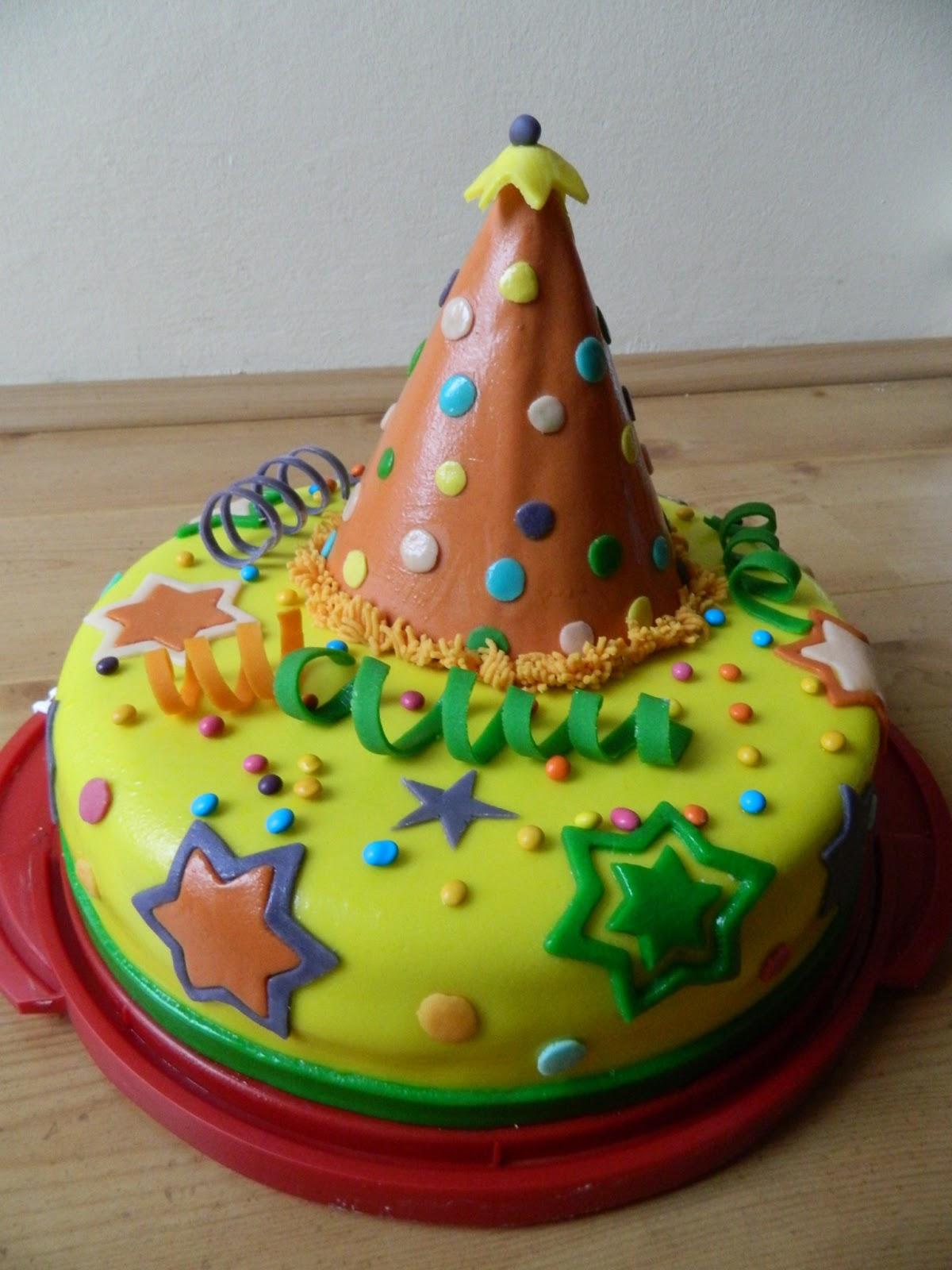 farsangi torta képek Néha sütögetek is : Farsangi torta   2013 farsangi torta képek