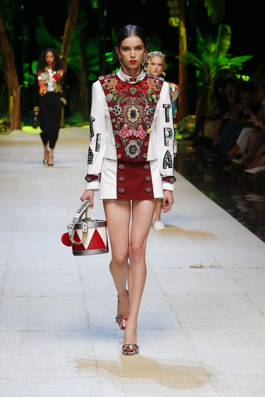 Dolce gabbana spring summer 2017 woman fashion show for Runway fashion show video