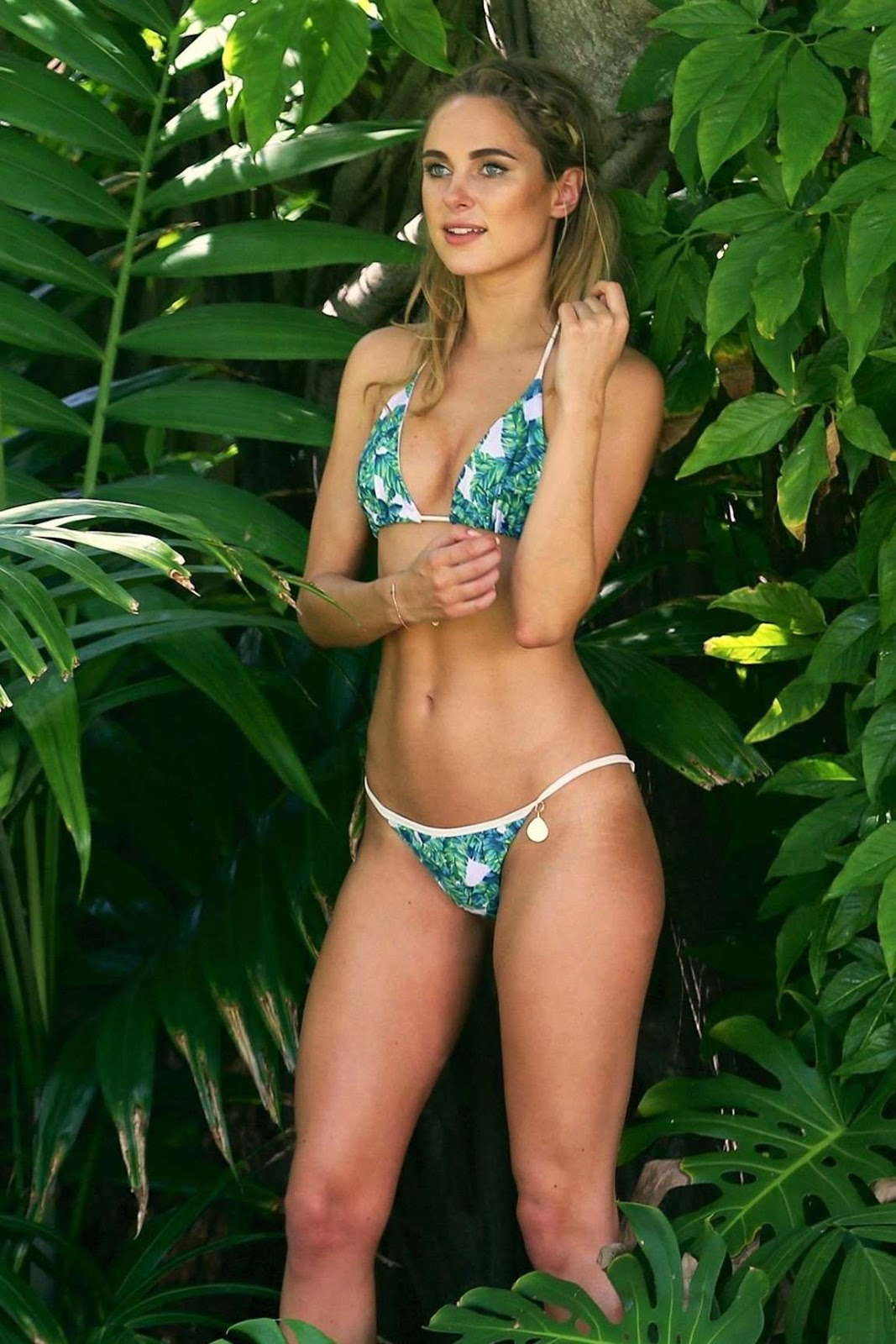 Kimberley Garner flaunts bikini body for new photoshoot