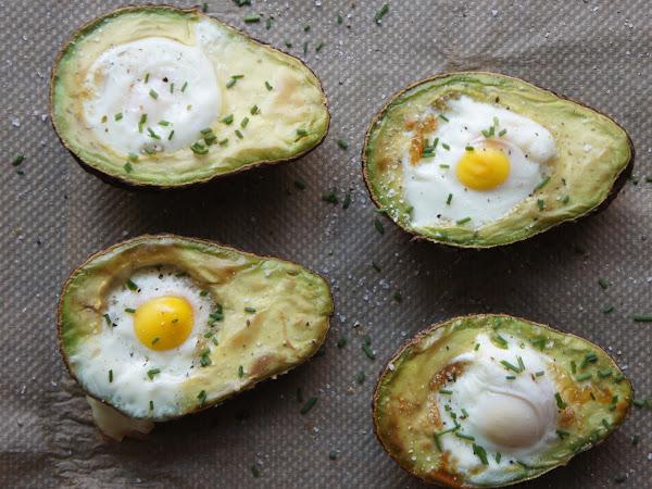 REZEPT: gebackene Avocado mit Ei