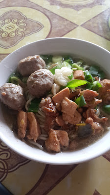 Mie Ayam Bakso, Meat ball chicken noodle for lunch