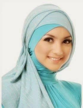 Contoh model jilbab untuk wajah oval
