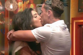 , Love Jungle In Big Brother: Bear declares he is Chloe Khan's BOYFRIEND after hot tub romp, Latest Nigeria News, Daily Devotionals & Celebrity Gossips - Chidispalace