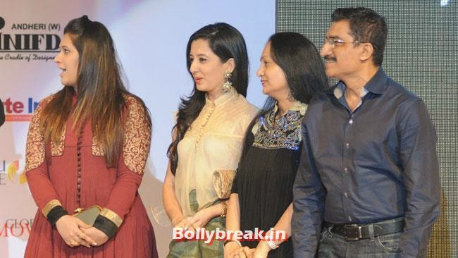 Manali Jagtap, Amy Billimoria with Bharat and Dorris Godambe, INIFD Tassel Fashion and Lifestyle Awards 2014