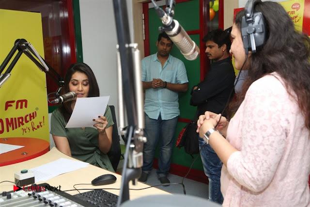 Raashi Khanna at Mirchi 95 Suno Mercedes Jeeto Contest Stills  0047