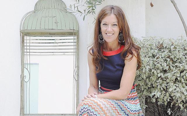 Η Βικτόρια Χίσλοπ στέλνει καρτ ποστάλ από το Ναύπλιο σε όλον τον κόσμο...