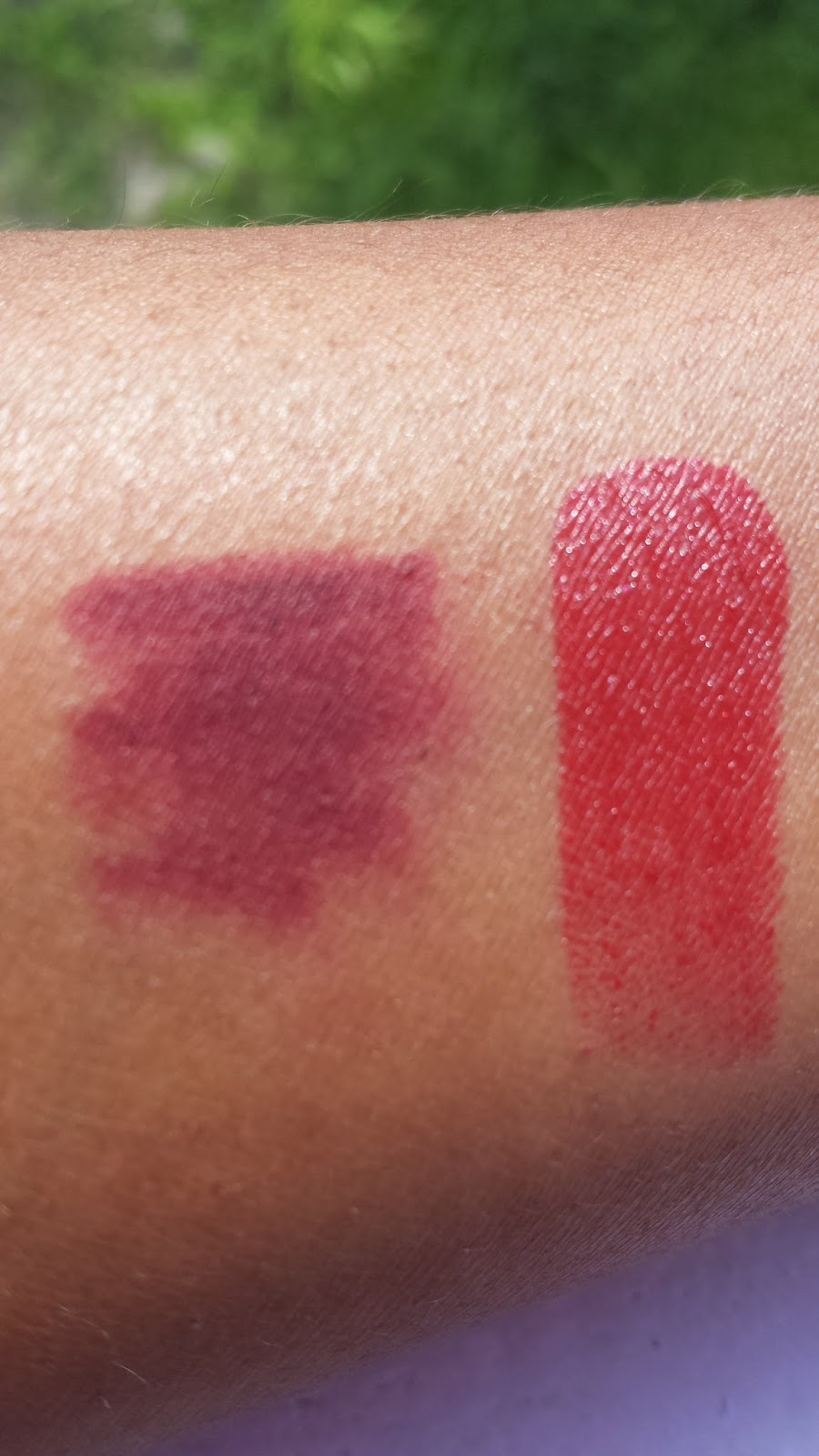 Tom Ford Lip Color 'Rouge Fatal' + OCC Cosmetic Colour Pencil 'Black Dahlia' swatch www.modenmakeup.com