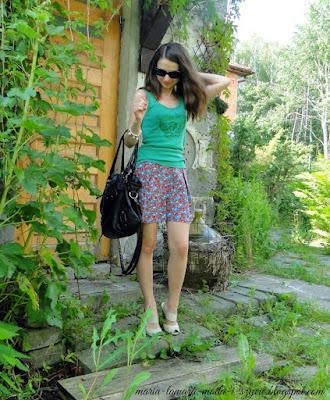 http://maria-tamara-moda-i-szycie.blogspot.com/2014/07/szorty-z-burdy-stylizacje-na-wakacje.html