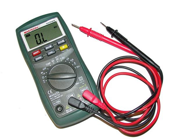 Resistor का Resistance मापने के लिए मल्टीमीटर